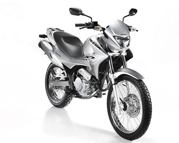 O preço da Falcon NX 400i será de R$ 18.900 e a moto começará a ser vendida em agosto.