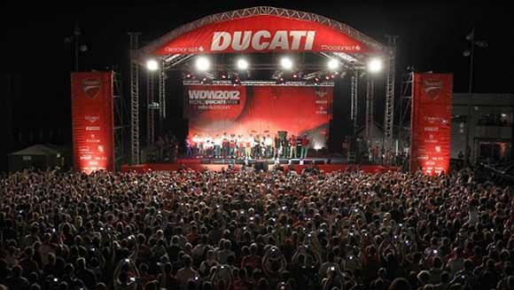 Segundo divulgado pela Ducati, 65 mil pessoas estiveram no evento.