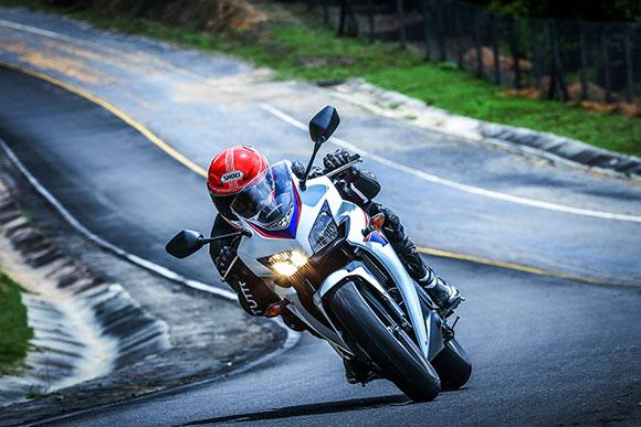 Honda CBR 500R chega ao Brasil