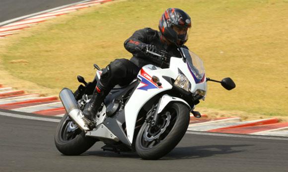 Motocicletas: as diferentes posições de pilotagem