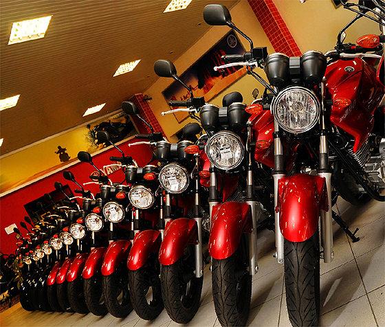 O segmento de motos apresentou aumento de 6,4% na produção entre março e fevereiro de 2013,subindo de 123.338 unidades fabricadas para 131.174.