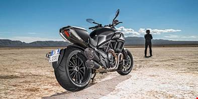 Como proteger os pneus da sua moto?