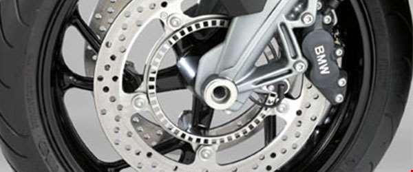 Freios ABS ou CBS serão obrigatórios em motocicletas