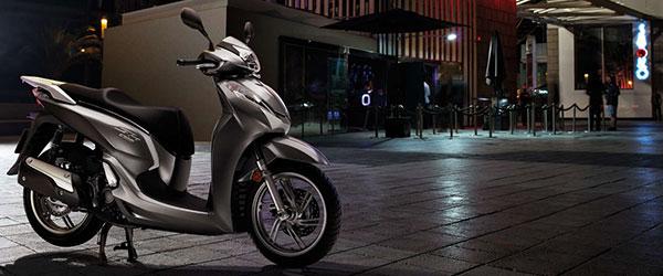 Honda SH 300i chega mais barata à linha 2017