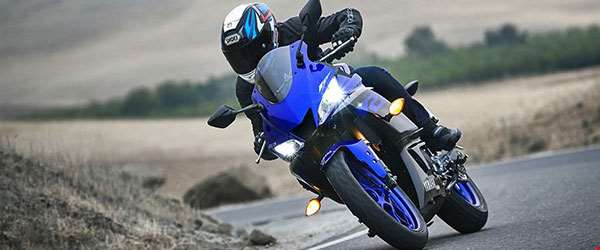 Yamaha YZF-R3 chega renovada ao Brasil