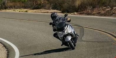 Dicas úteis para viajar de moto com segurança
